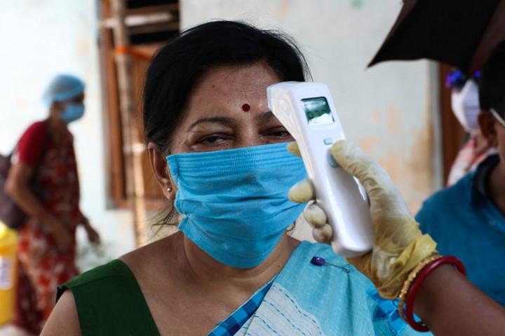 Az új fertőzések csaknem felét Indiából jelentik