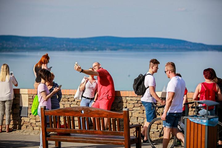 Rétvári: Egyre jobb a hazai turisztikai célpontok kínálata