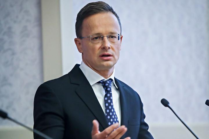 Szijjártó: Az unióban azért támadják a magyar kormányt,  mert politikája eltér a liberális fősodortól