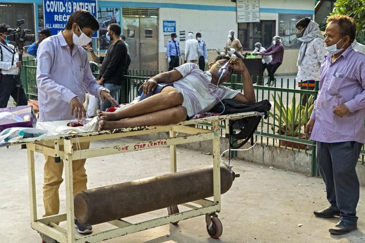 Rekordot döntött a koronavírus okozta halálesetek száma Indiában
