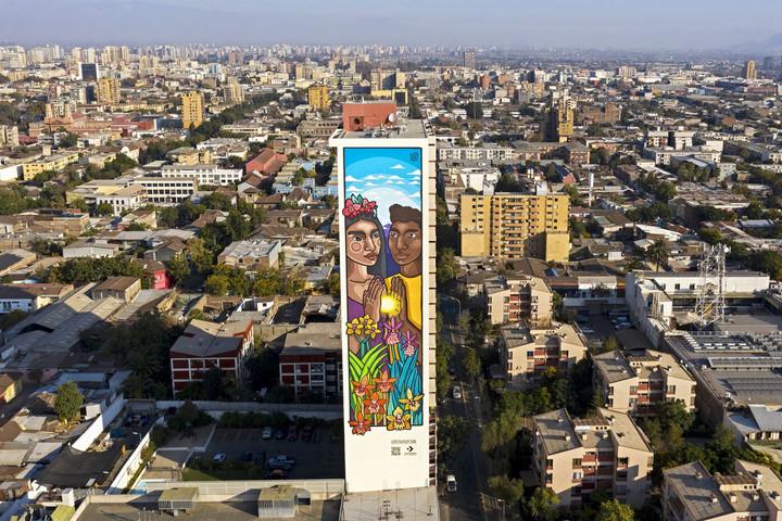 Festmény a város felett