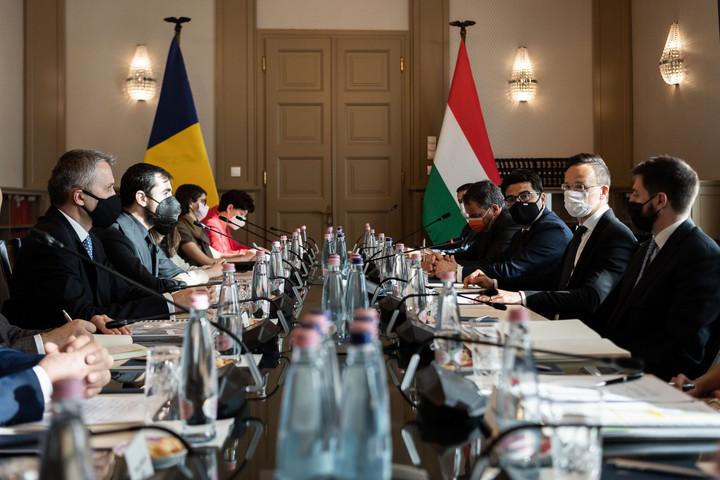 Szijjártó: Sokat tett hozzá a magyar-román kapcsolatokhoz a gazdasági együttműködés