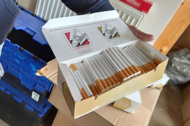 Illegális cigarettagyárat számoltak fel Budapesten