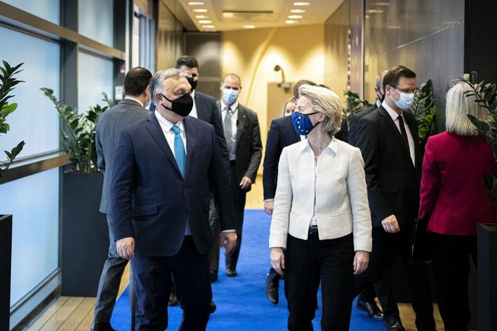 Orbán Viktor az Európai Bizottság elnökével tárgyal Brüsszelben