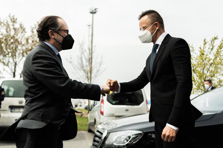 """""""Magyarország a járvány elleni küzdelemben is szorosan együttműködik Ausztriával"""""""