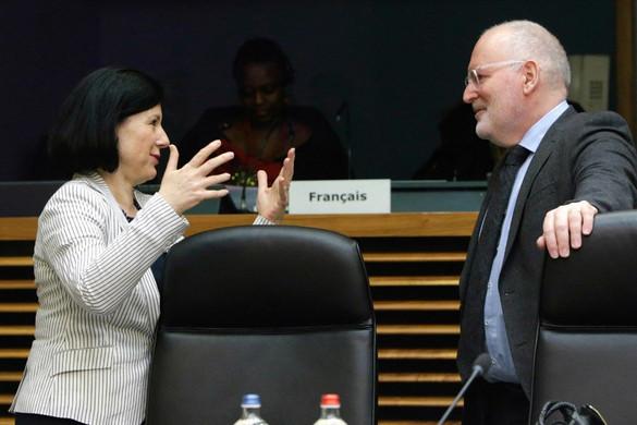 Jourová és Timmermans: európaiságból, szolidaritásból elégtelen