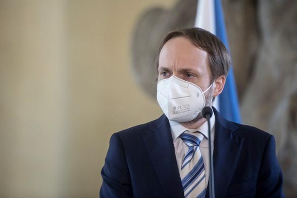 Csehország újabb orosz diplomatákat utasít ki Prágából