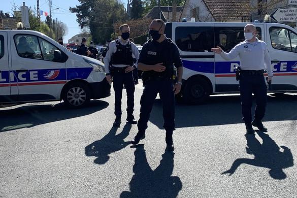 Késsel szúrt agyon egy francia rendőrt egy férfi