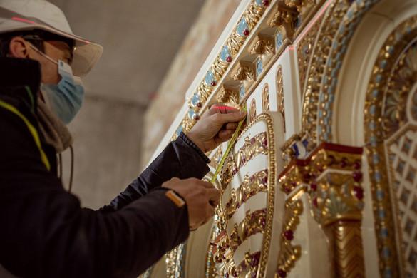 Az ország legnagyobb Zsolnay kandallója épül a Budavári Palotában