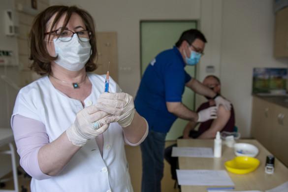 A hazai oltási program segítségével tudtuk letörni a járvány harmadik hullámát