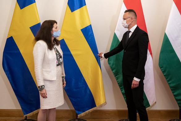A gazdaság- és védelempolitika terén is sikeres az együttműködésünk Svédországgal