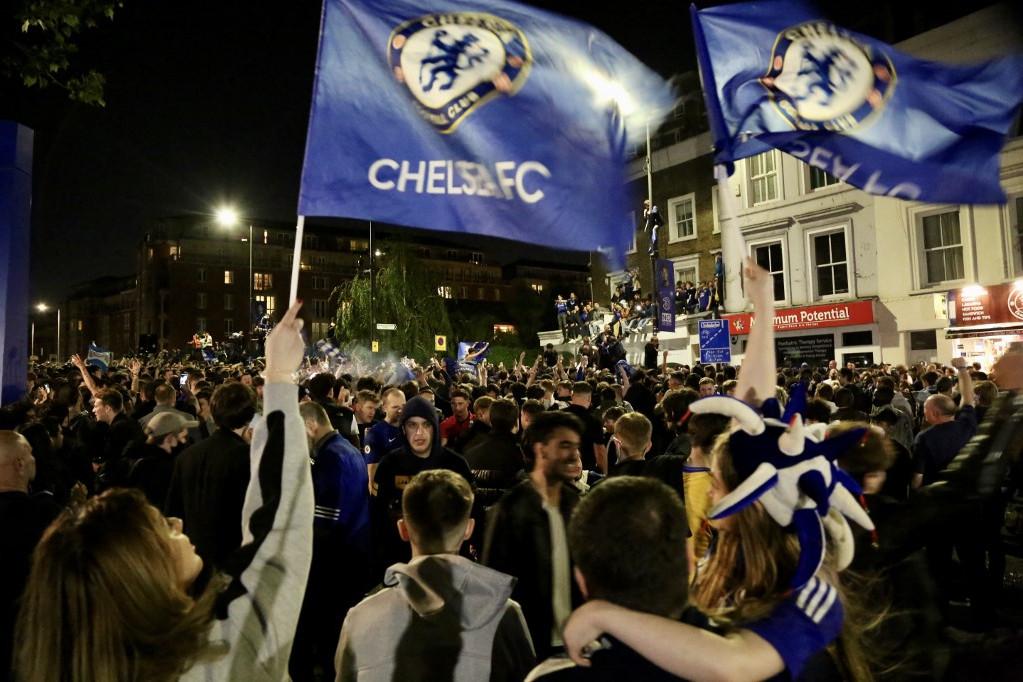 Chelsea-drukkerek a győztes BL-döntő után