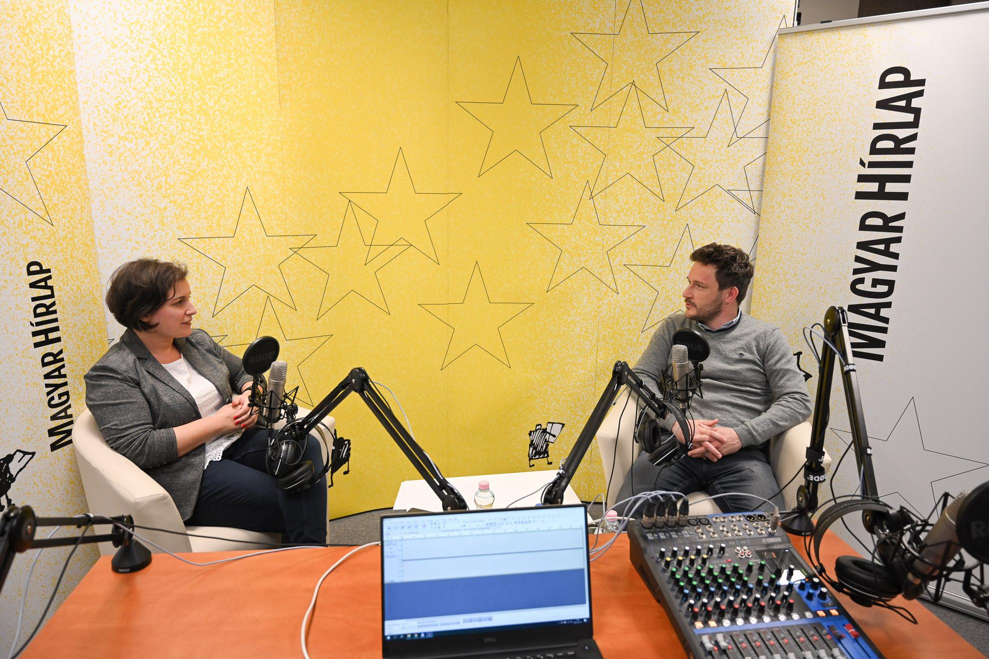 Lapunk főmunkatársa, Őry Mariann és Kovács Attila, az Alapjogokért Központ projektvezetője a Faktum műsorának felvételén