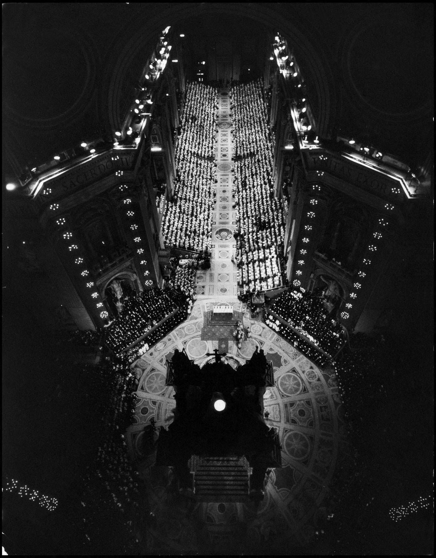 II. vatikáni zsinaton (1963) az egyház világosan állást foglalt: nem enged a minden tartalmi kritériumtól elvonatkoztató, feltétlen pacifizmus kísértésének
