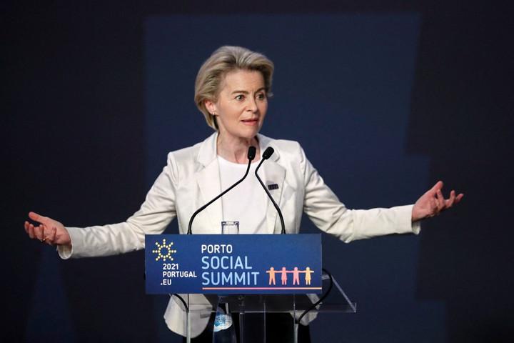 Brüsszel a pedofilok személyes adataiért aggódik