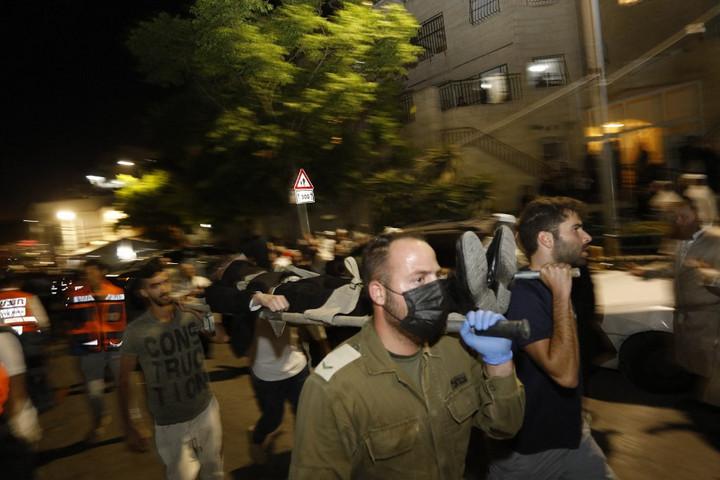 Izraelben összeomlott egy zsinagóga emelvénye, rengeteg a sérült, ketten meghaltak