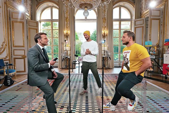 A fiatalok figyelmét keresi Macron