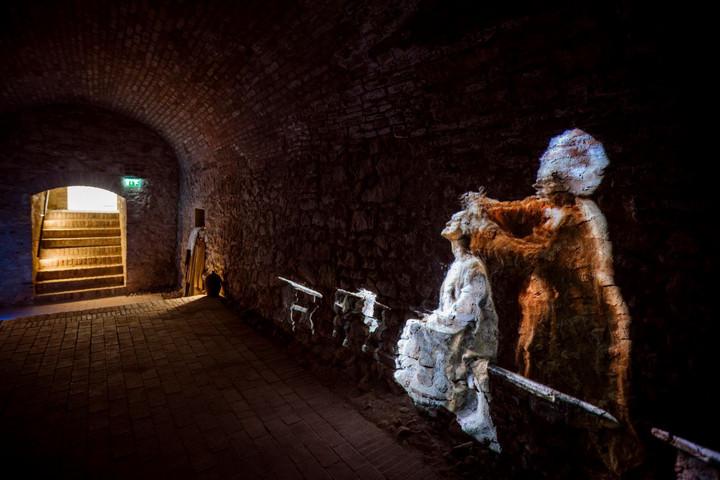 Új kiállítás és történelmi séta a Budavári Palotanegyedben