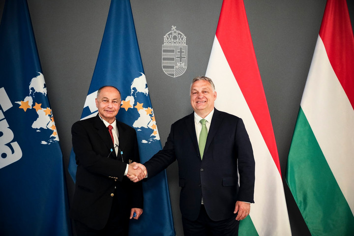 Orbán Viktor fogadta a Nemzetközi Úszószövetség alelnökét