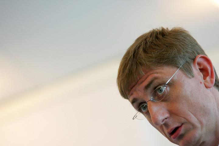 Fidesz: Gyurcsány a saját háza táján söprögessen!