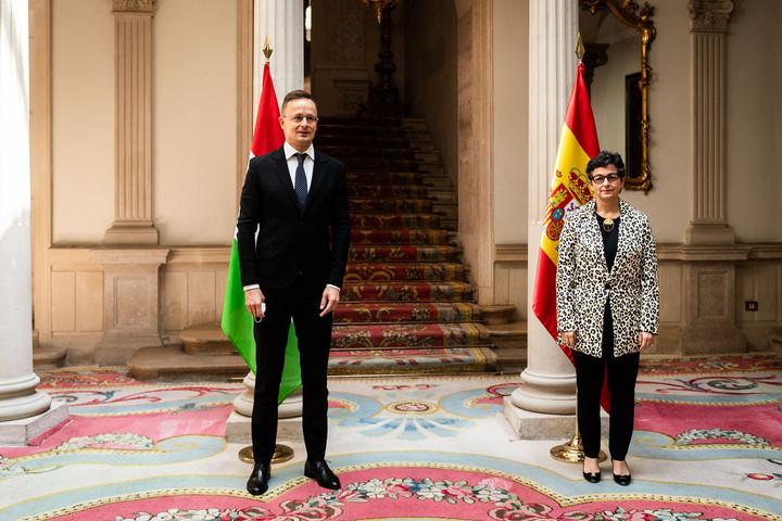 Magyarország és Spanyolország együttműködése erős az embercsempészek ellen