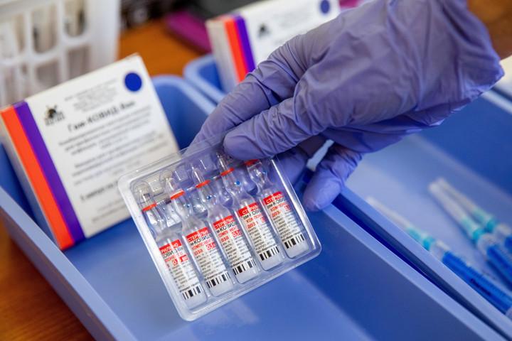 A keleti vakcinák nélkül nem lehetne ilyen sikeres a magyar oltási program