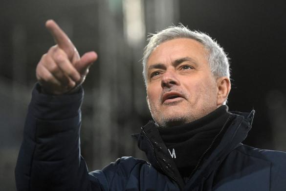 José Mourinho lesz az AS Roma vezetőedzője