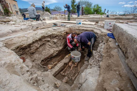 Izgalmas titkokat rejt a régészeti lelőhely Abasáron