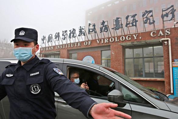 Laborfeltevés: egymásra mutogat Amerika és Kína