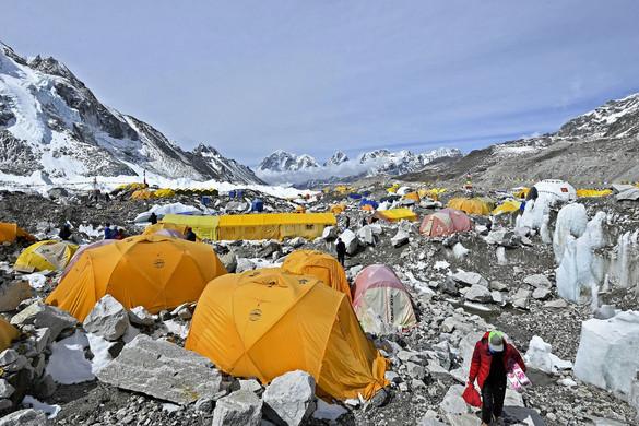 Több fertőzött hegymászó lehet az alaptáborban
