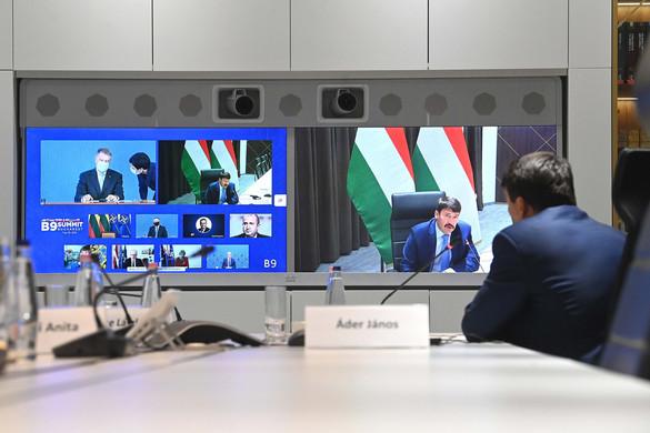 Áder János részt vett a Bukaresti Kilencek virtuális találkozóján
