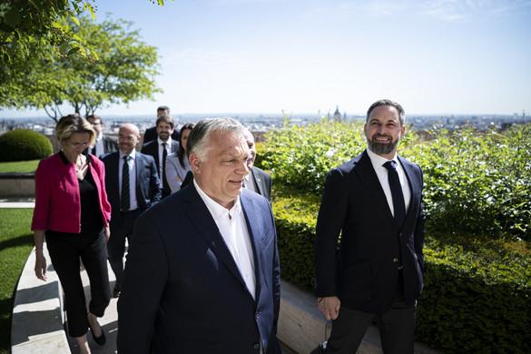 Orbán Viktor a spanyol jobboldali VOX párt vezetőjével tárgyalt