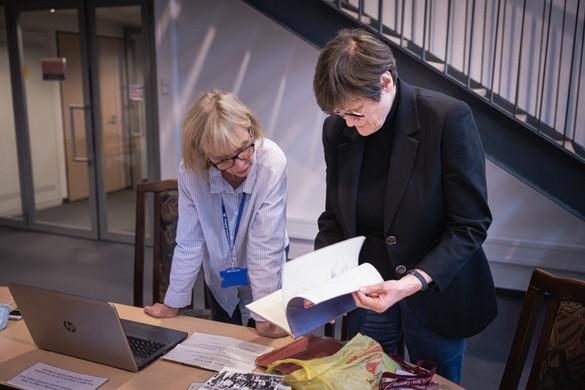 Karikó Katalin személyes tárgyakat adományozott a szegedi egyetemnek