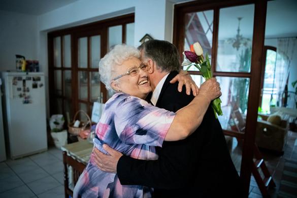 Így köszöntötte édesanyját anyák napján Orbán Viktor