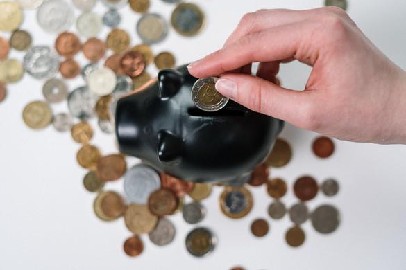 Éves szinten a lakosság akár harminc százalékkal is többet megtakaríthatott