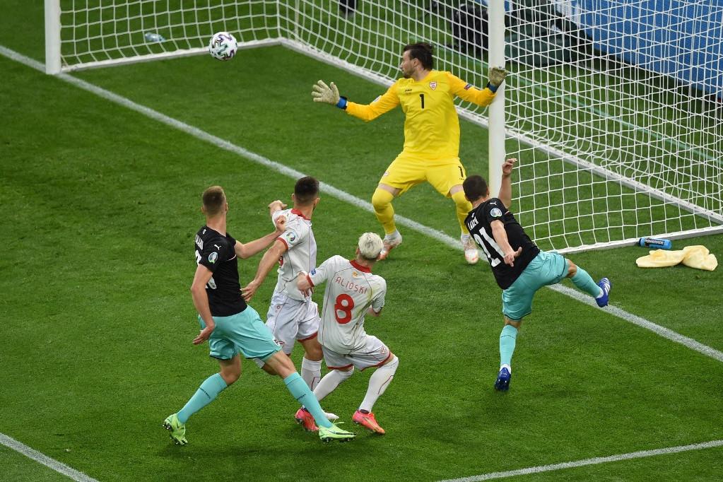 Stefan Lainer szerzett gólt, Sbaitzer beadása után lőtte ki a hosszút a Mönchengladbach játékosa
