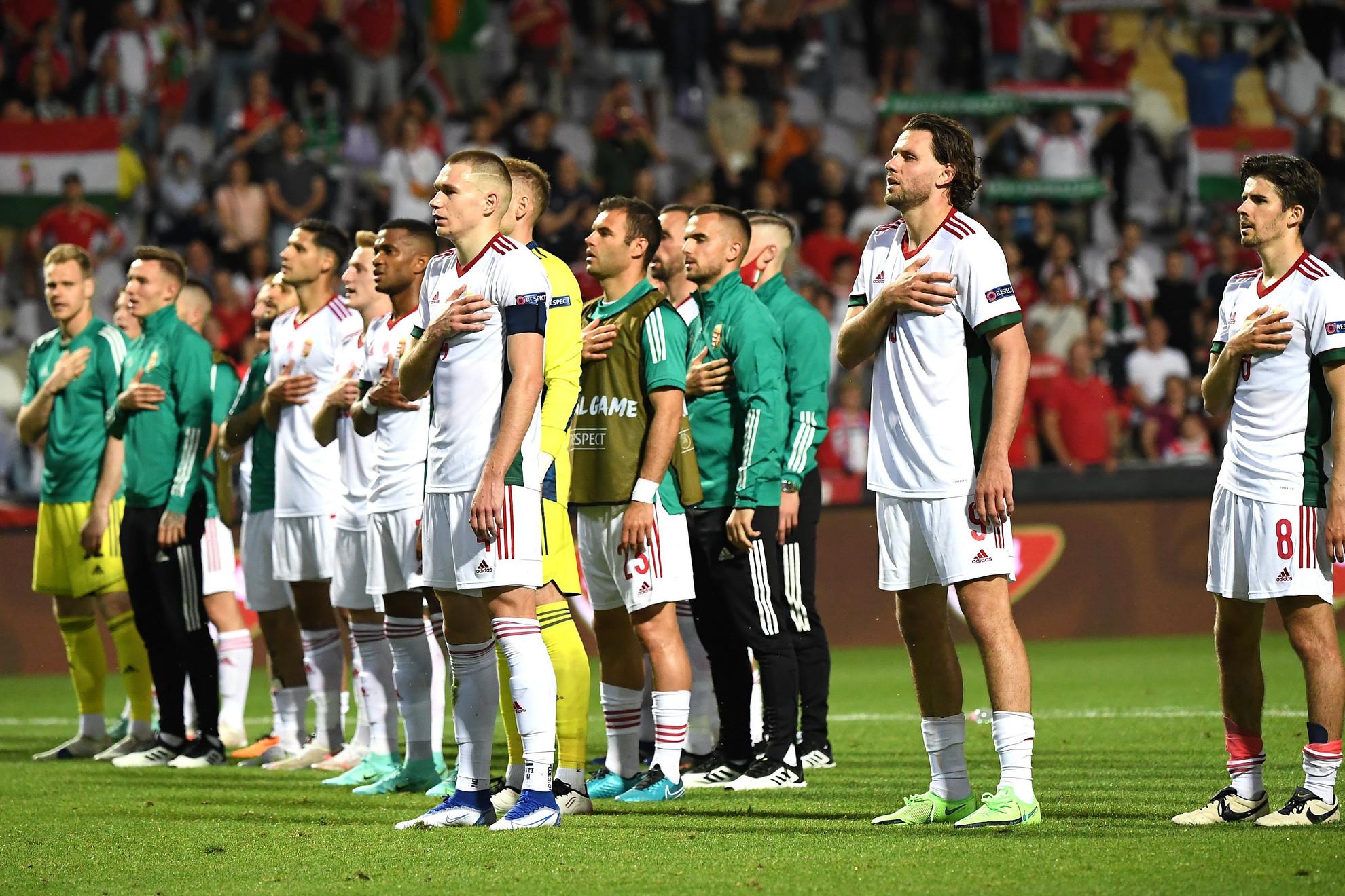 A magyar válogatott játékosai a Magyarország - Írország barátságos labdarúgó-mérkőzés után Budapesten, a Szusza Ferenc Stadionban 2021. június 8-án