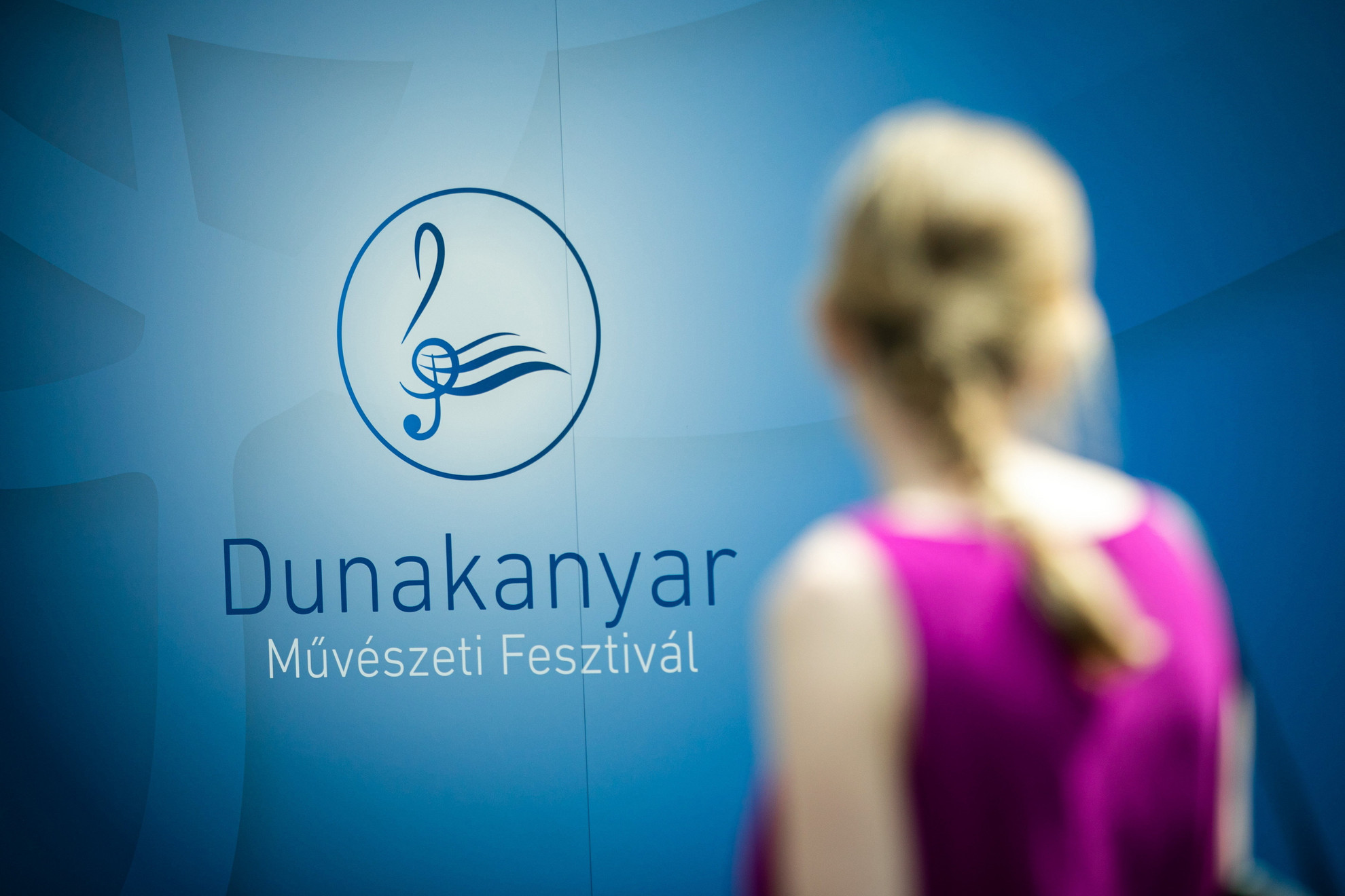 Dunakanyar Művészeti Fesztivál logója az esemény sajtótájékoztatóján a Duna Event hajón Visegrádon 2021. június 21-én