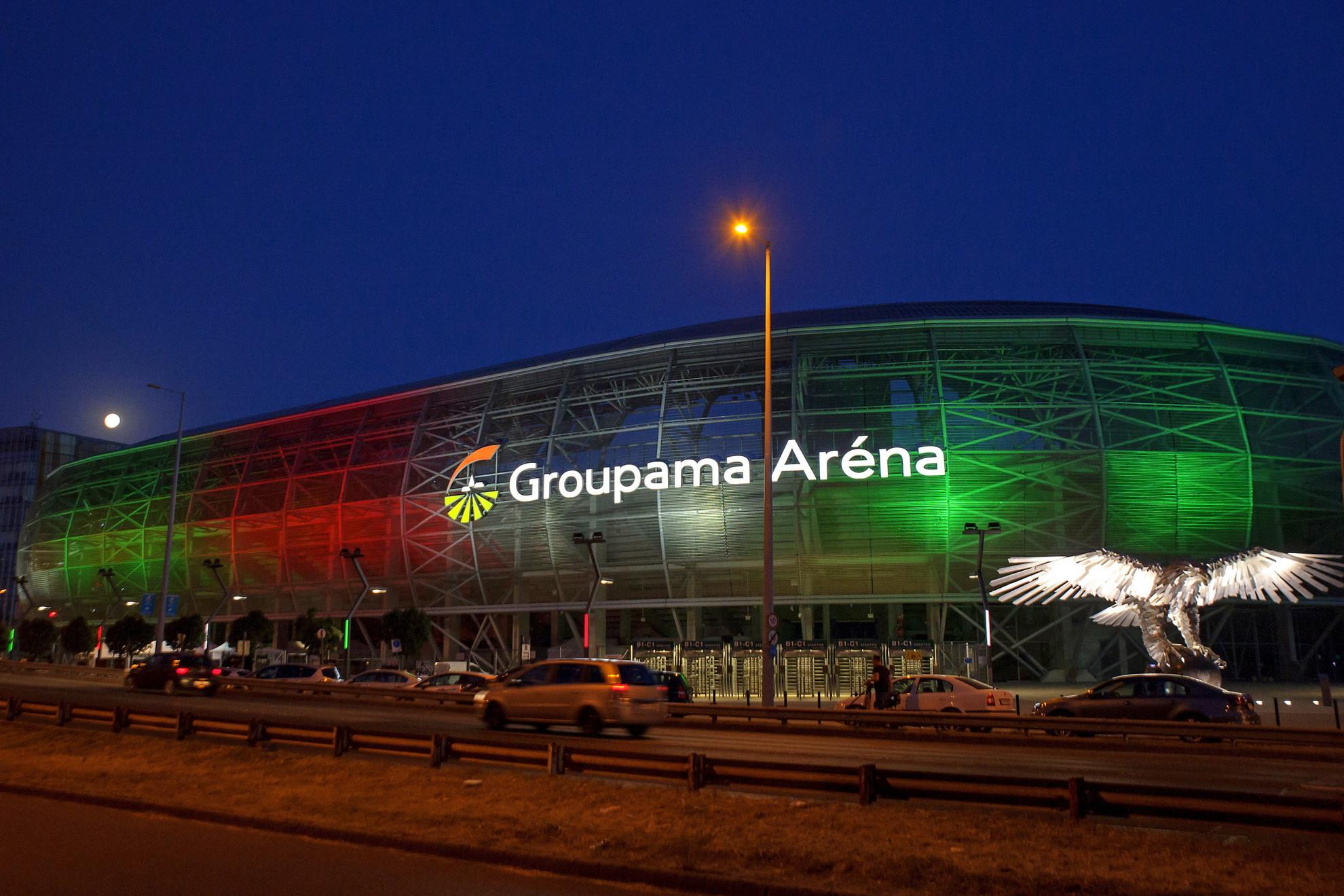 A Groupama Aréna piros-fehér zöldben (Kattintással lapozhatók a galéria képei)