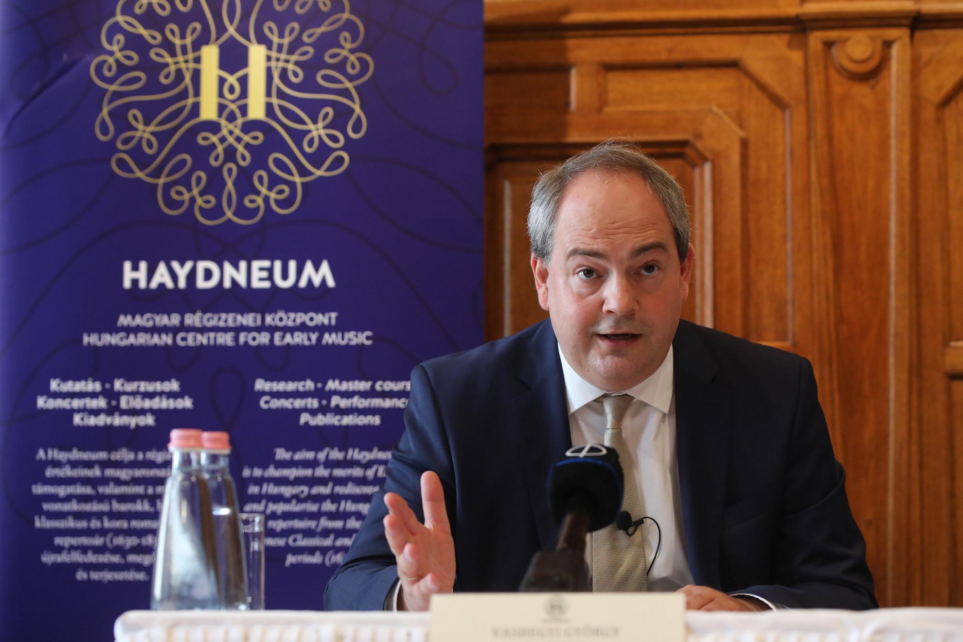 Mint Vashegyi elmondta, a Haydneum első küldetése a zenei közeg újjáélesztése és a Magyarországon, korabeli hangszereken játszott barokk, illetve klasszikus repertoár jelenlétének rendszerbe szervezése