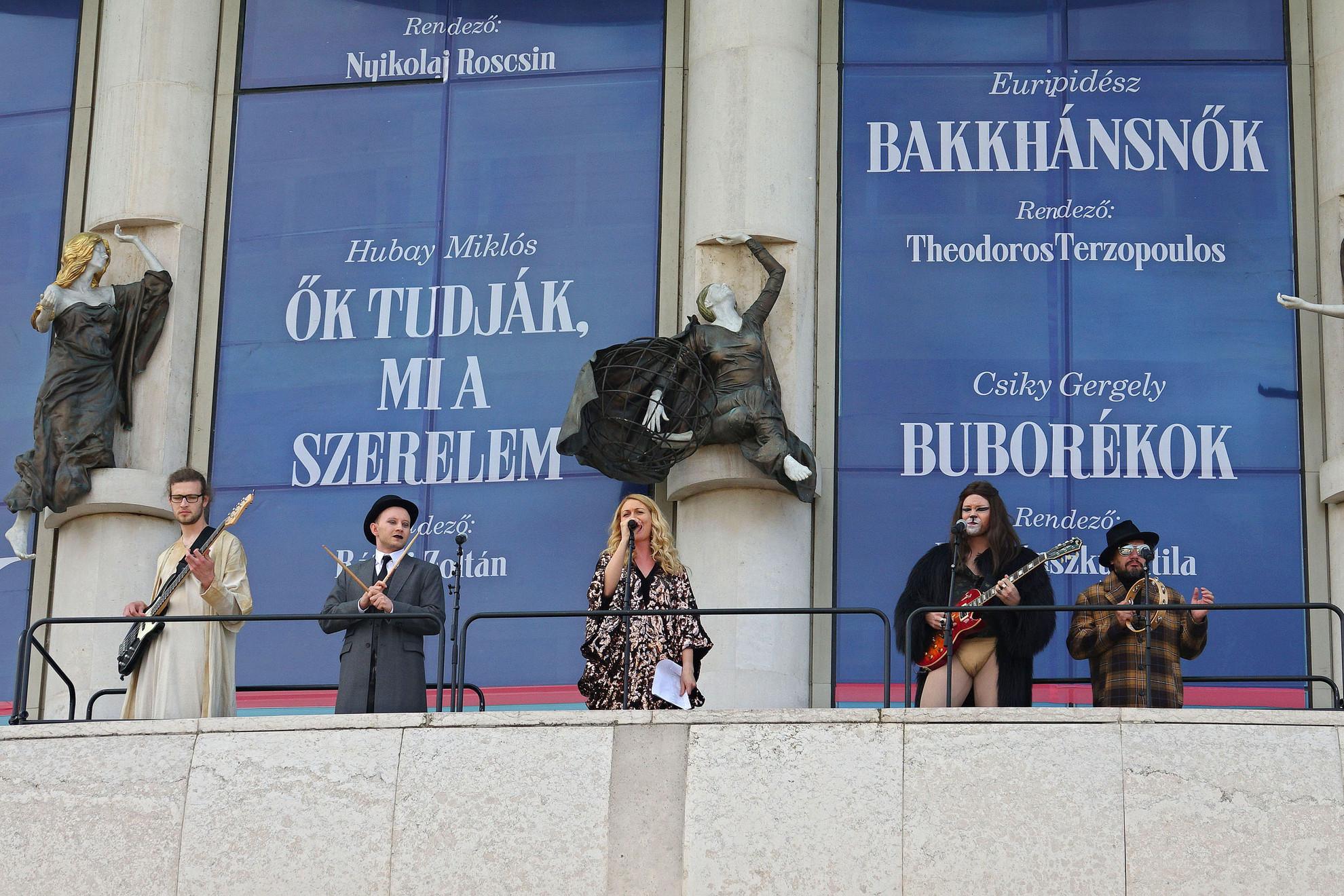 A Mester és Margarita lesz a teátrum első bemutatója az új évadban, amelyből egy zenés részletet mutattak be a sajtótájékoztatón
