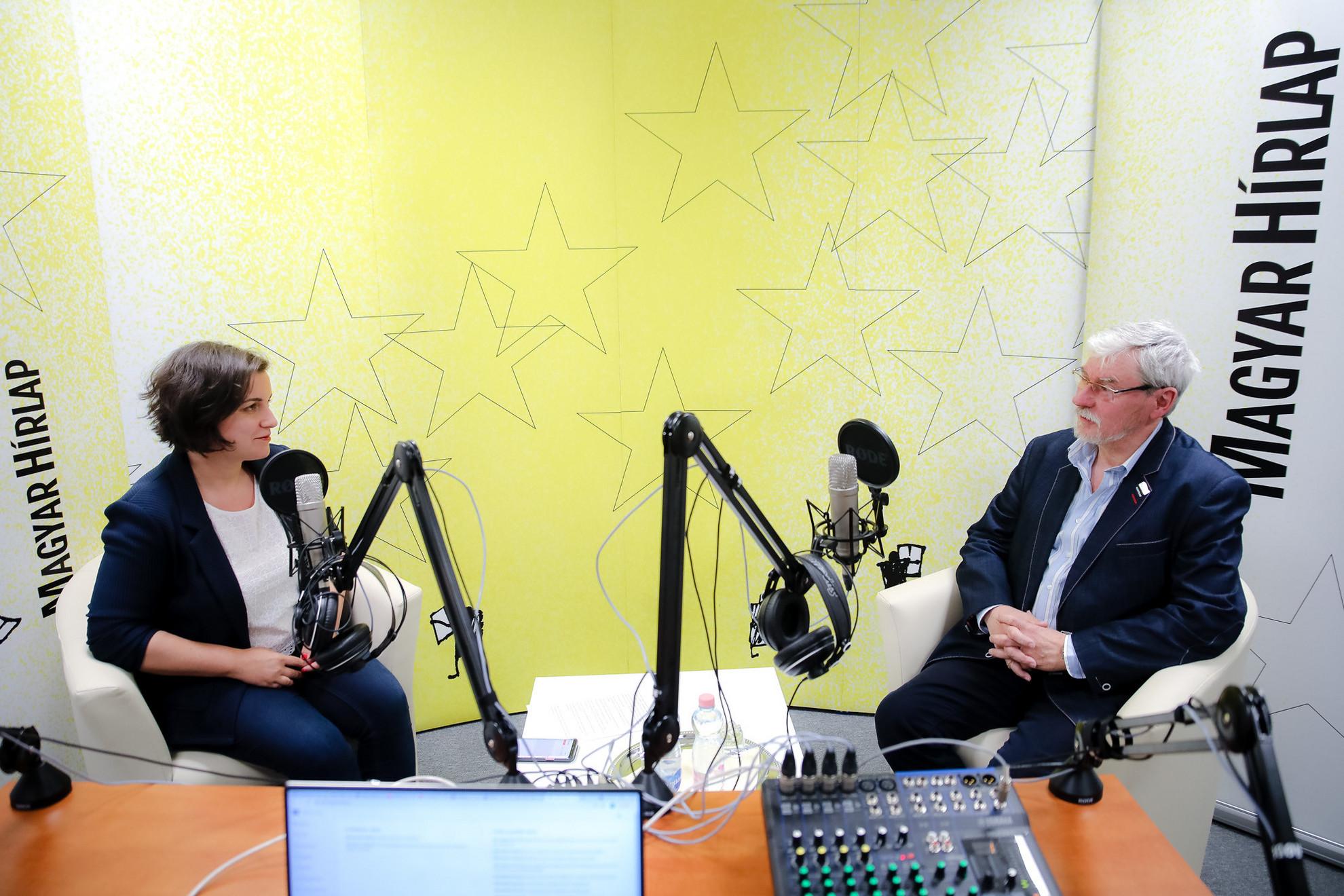 Lapunk főmunkatársa, Őry Mariann és Szakály Sándor, a VERITAS Történetkutató Intézet és Levéltár főigazgatója a Faktumban