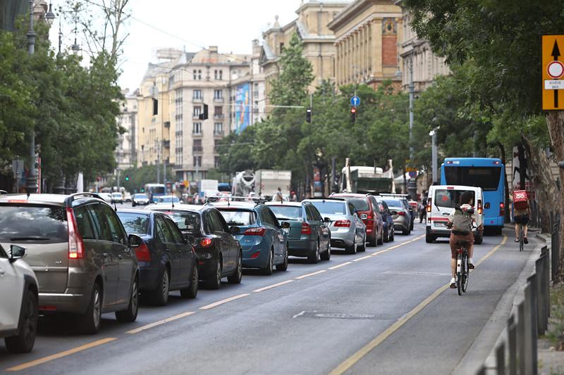 Karácsony hibájából káoszba fulladt Budapest közlekedése