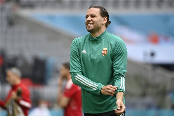Szalai Ádám a magyar labdarúgó-válogatott edzésén a müncheni Allianz Arénában