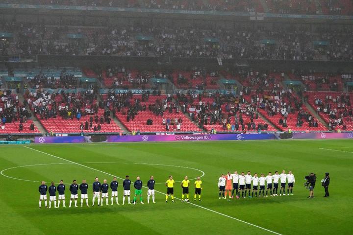 Több mint hatvanezer nézőt engednek be a Wembleybe