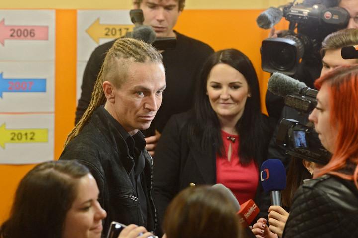 Babis üzent a cseh radikális baloldalnak