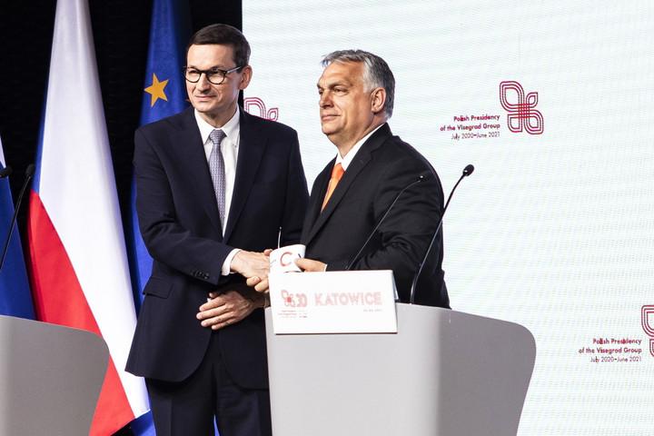 Orbán: A V4-eknek a változások nyertesei közé kell tartozniuk