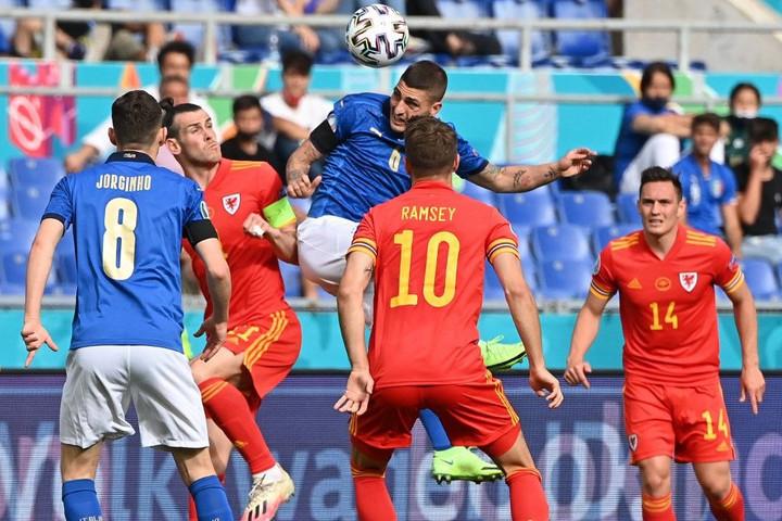 Az A csoport utolsó fordulójában Olaszország és Svájc nyert