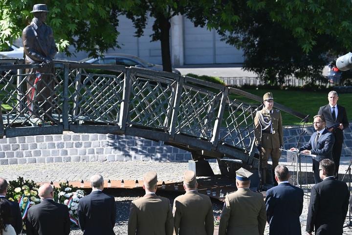 """""""Magyarországot hosszú távon nem lehet a függetlenség ellenében kormányozni"""""""