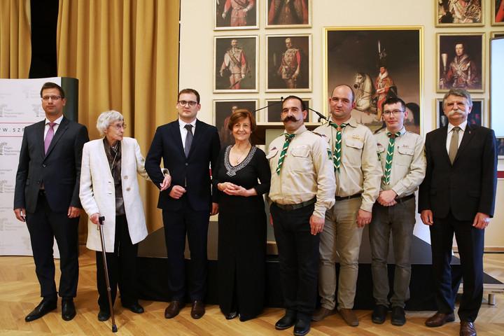 Bagdy Emőkét és a Romániai Magyar Cserkészszövetséget díjazta a Polgári Magyarországért Alapítvány